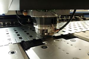 Plaatwerk pons laser snijden